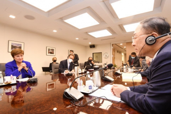 At G-20 meeting, Korea's fiscal chief stresses expansionary policy