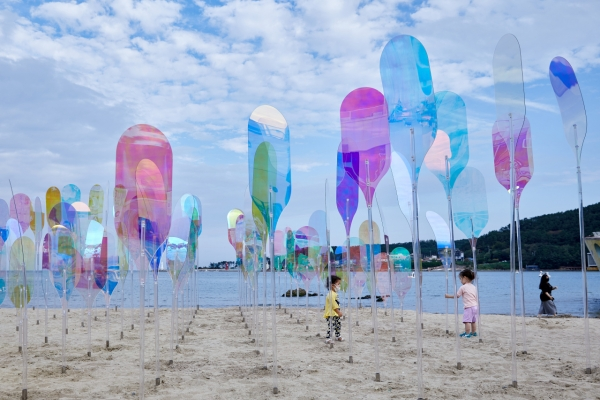 [Well-Curated Weekend] Palace grounds, beach in Busan turned into exhibition venues