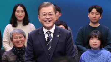 Moon says volunteer military system needs time