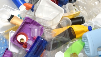 Govt, industry target 20 percent cut in plastic use