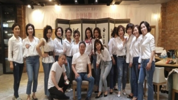 [News Focus] Portion of Koreans aged 50 or over exceeds 40% for 1st time