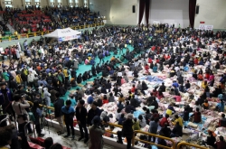 [Ferry Disaster] Families of victims lambaste government, rescue staff