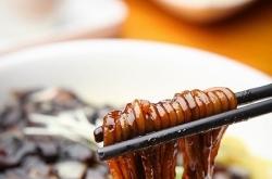 [Weekender] Time travel across modern Korea through food
