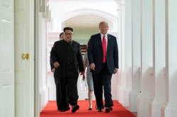 [US-NK Summit] Trump, Kim take first step toward peace on Korean Peninsula