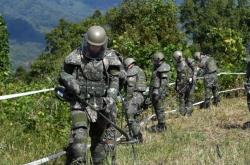 [From the scene] S. Korea's 'Hurt Locker' mission: Removing landmines in DMZ