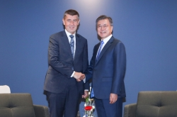 Leaders of S. Korea, Czech Republic pledge efforts to improve ties