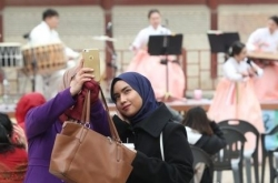 Korea takes up fight on racism against foreign tourists
