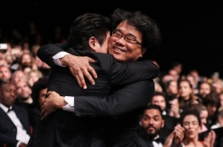 President Moon celebrates Korean film's Cannes victory