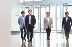 [News Focus] Samsung viewing current situation as 'new crisis'