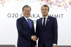 Macron promises France's support for Moon's peace drive