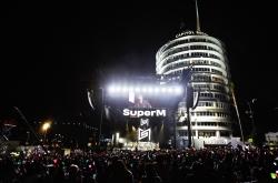 Did Korean sales send SuperM's debut album to top of Billboard chart?