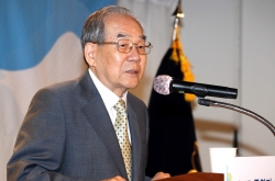 Ex-unification ministers call for patience, flexibility after NK offensive