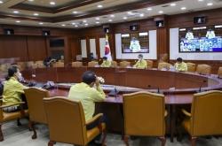 Korea hesitates to lift 'intensive' physical distancing