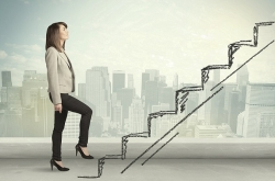 [Women in Finance 2] Coffee errands, parenting, golf: How Korean women are kept from climbing the ladder