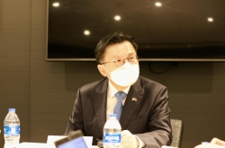 US understands S. Korea's difficulty with vaccine shortage: Hwang