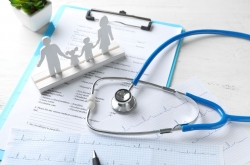 20 doctors lose medical licenses in past 6 yrs for having unlicensed staff practice medicine