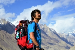 Fingerless Korean becomes world's 1st disabled person to climb all 14 Himalayan peaks