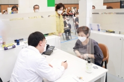 Seoul says foreign teachers can get jabbed without prior reservation