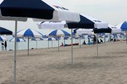 Despite heat wave, beaches nationwide quiet amid tough anti-COVID-19 restrictions