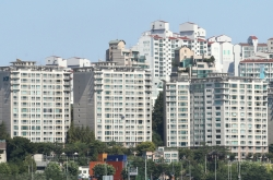 Rich people from non-Seoul area snapping up Seoul apartments