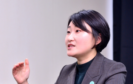 Young feminist runs for Seoul mayor