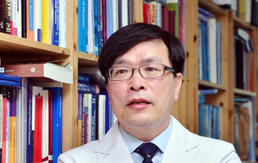 'Safety is taking a backseat in Korea's vaccine rollout'