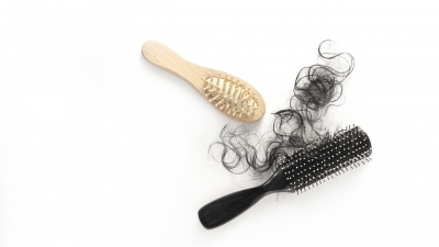 Tightrope walk between hair regrowth and side effects