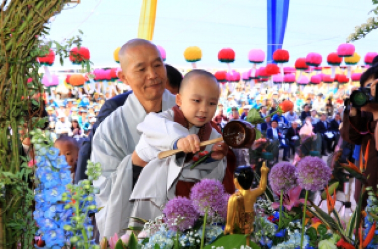 [Photo News] Temples celebrate Buddha's Birthday