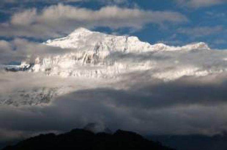 5 S. Korean climbers found dead due to snowstorm in Nepal