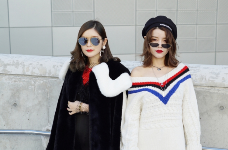 Street styles we noticed at 2019 S/S Seoul Fashion Week