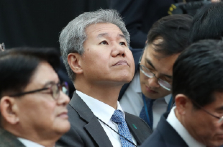 [Profile] Cheong Wa Dae taps insiders for reshuffle of top posts
