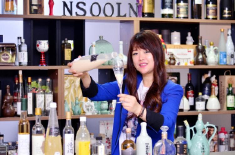 [Weekender] Wine aficionado's love affair with Korean traditional liquors