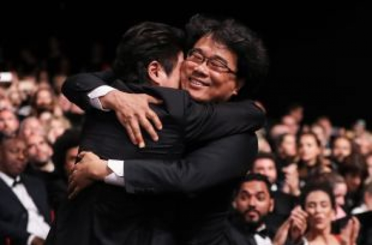 President Moon celebrates Korean film's Cannes victory