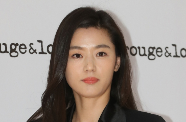 Married actresses returning to small screen after childbirth