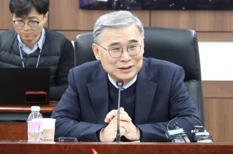 South Korea should take active role in denuclearizing North: ex-minister