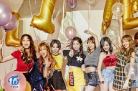 Twice gives sneak peek at 'Likey'