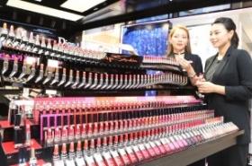 Consumer orientation highest in cosmetics, lowest in auto repairs: data
