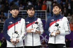 Male speed skaters highlight bond amid bullying scandal