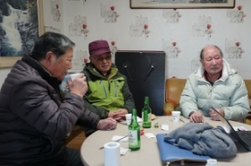 In Sokcho, elderly Koreans miss their parents' hometown in North Korea