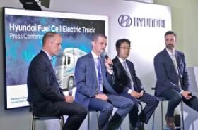 Hyundai Motor enters green commercial vehicle market with hydrogen trucks