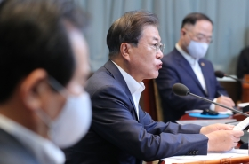 Schools are key to success of 'everyday life quarantine,' Moon says
