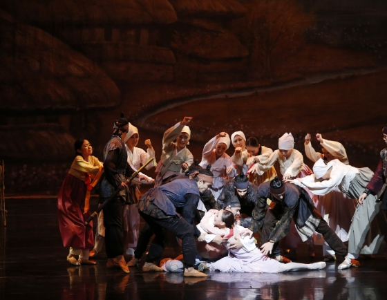 Universal Ballet celebrates 35th anniversary with signature reinventions of classical tales