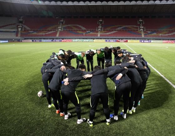 Koreas meet in historic World Cup qualifier in Pyongyang