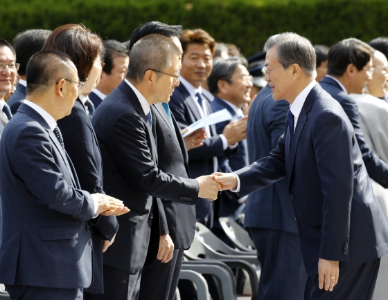 Moon stresses people's role in democracy