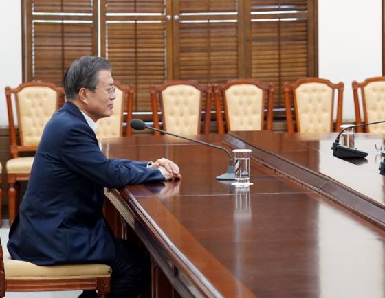 Moon urges swift prosecution reform, strengthened audit of prosecution