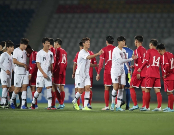 Defectors send leaflets to NK criticizing Pyongyang over World Cup qualifier