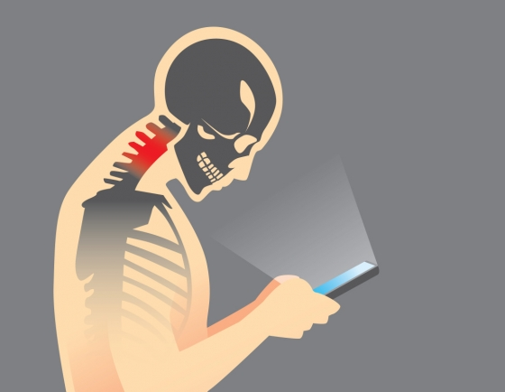 Too much time on smartphone poses health threat