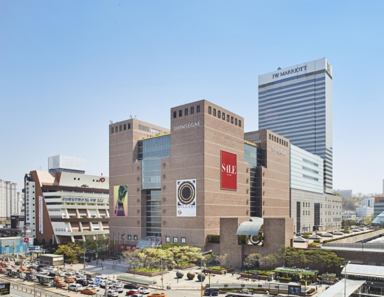 Shinsegae Department Store's Gangnam branch records over W2tr in annual sales