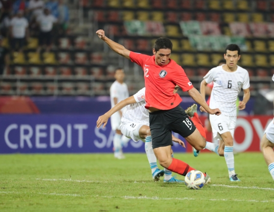 S. Korea beats Uzbekistan to win group at Olympic football qualifying tournament