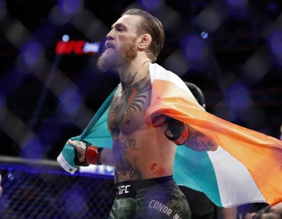 McGregor demolishes Cerrone in 40-second return to UFC octagon